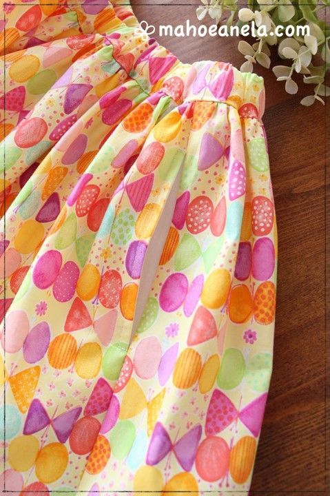 リボンちょうちょ柄で作ったボリュームミニスカートにシームポケットをドッキングした作品画像
